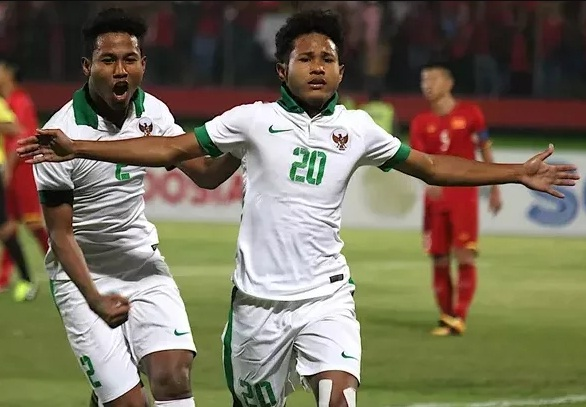 """indonesia """"choi lon"""", goi """"than dong"""" 17 tuoi du vong loai world cup hinh anh 1"""