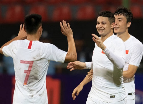 ket qua vong loai world cup 2022: singapore gay soc, trung quoc thang huy diet hinh anh 1