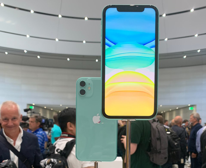 "9 ly do de mua iphone 11 thay vi cap ""anh em"" iphone 11 pro hinh anh 5"