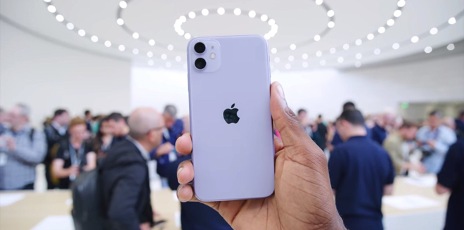 "9 ly do de mua iphone 11 thay vi cap ""anh em"" iphone 11 pro hinh anh 1"
