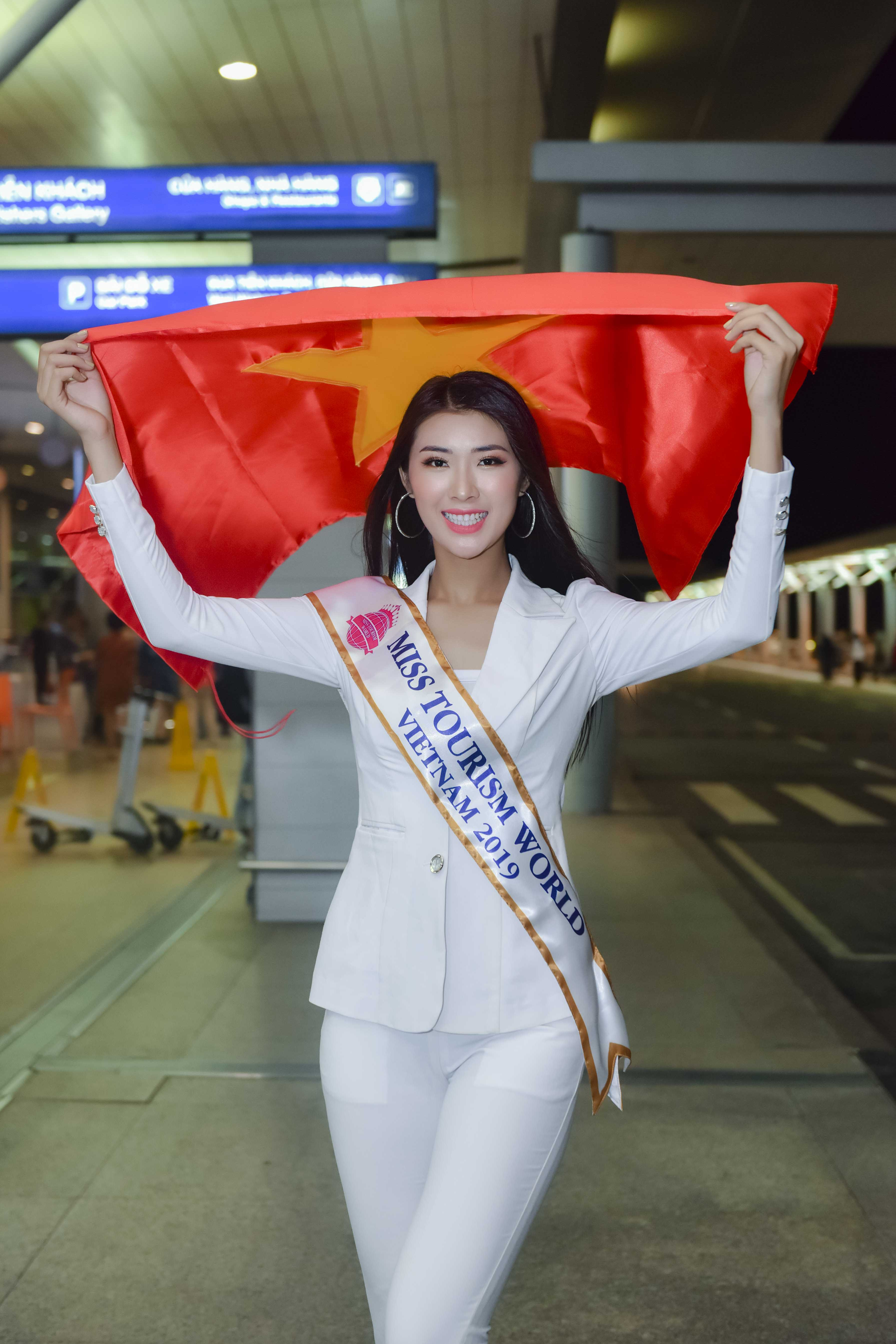 tuong vy dai dien viet nam di thi miss tourism world 2019 hinh anh 1