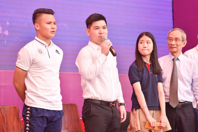 duy manh duoc fan to chuc sinh nhat o truong marie curie hinh anh 4