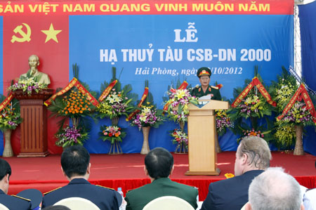 le ha thuy tau canh sat bien 8001 hinh anh 2