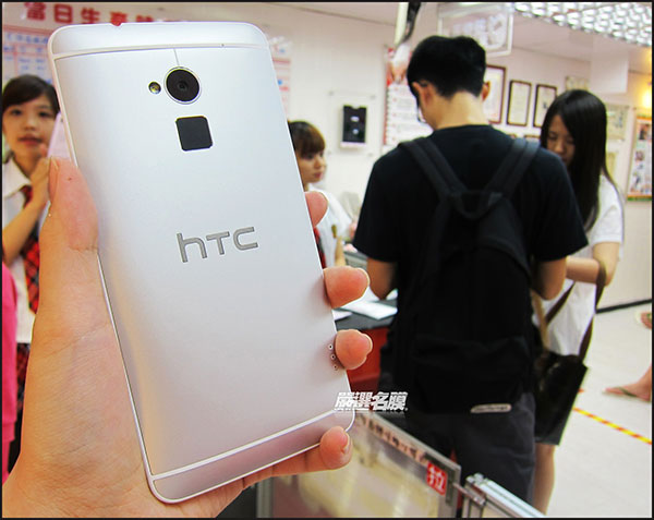 htc one max bat ngo lo dien truoc ngay ra mat hinh anh 2