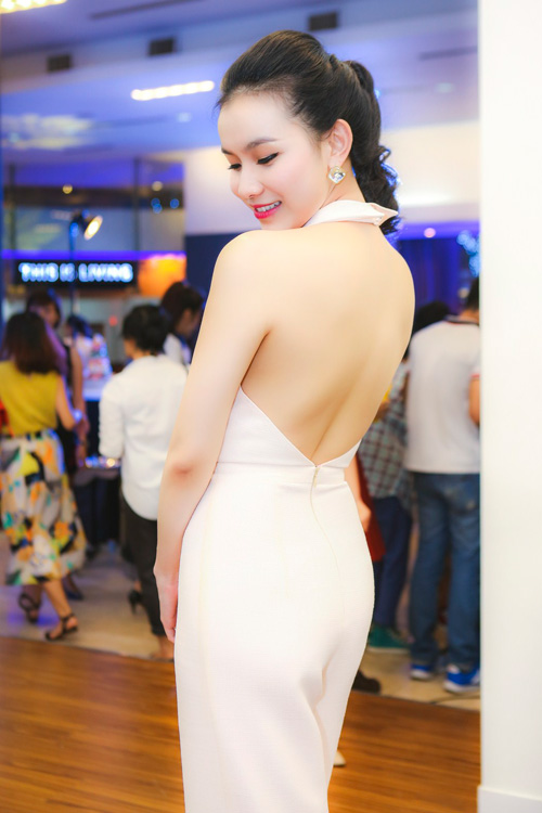 thuy lam ngay cang nuot na, goi cam hinh anh 1