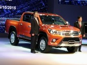 o to - Xe may - Ra mat xe ban tai Toyota Hilux 2015, co ban so tu dong