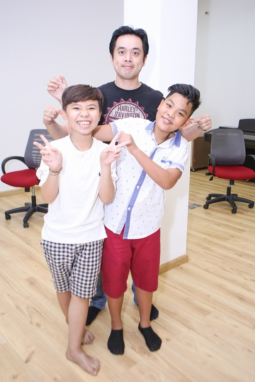 "cau be ""gay sot"" the voice kids duoc bo cham soc truoc chung ket hinh anh 10"