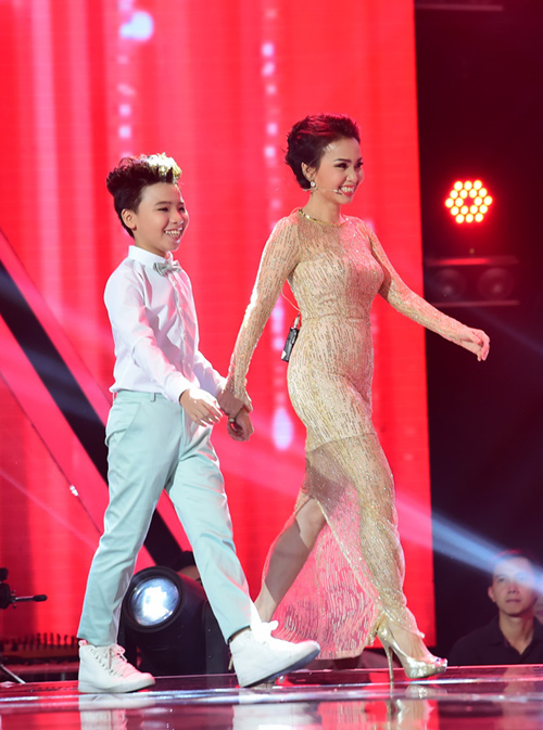 """cong quoc cuoi nhieu sau chung ket the voice kids"" hinh anh 1"