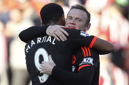 cdv m.u am am tay chay rooney, ung ho martial hinh anh 1
