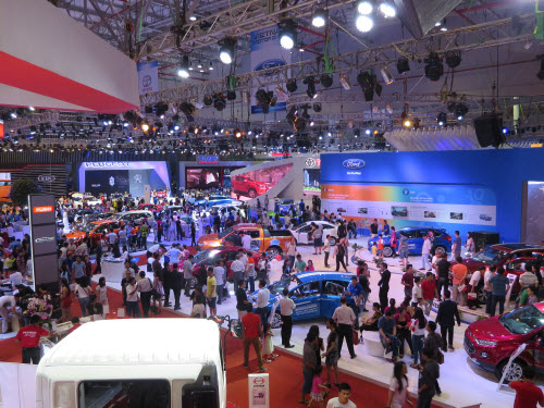 trien lam motor show 2015: ky luc 2.500 xe o to duoc dat hang hinh anh 2