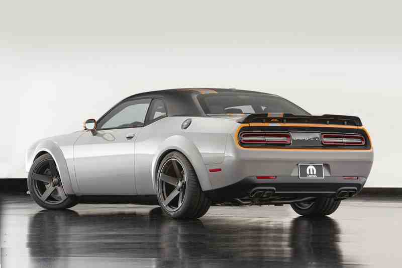 dodge challenger gt awd concept co bap lo dien hinh anh 2