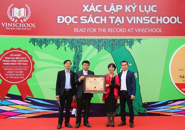 vinschool lap ky luc guinness ve so nguoi cung doc sach lon nhat viet nam hinh anh 3