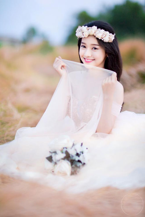 tron bo anh cuoi khoe vong 1 goi cam cua thuy vi hinh anh 8