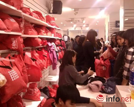 "black friday ha noi: chen lan do canh, ""bep ruot"" cho thanh toan hinh anh 1"