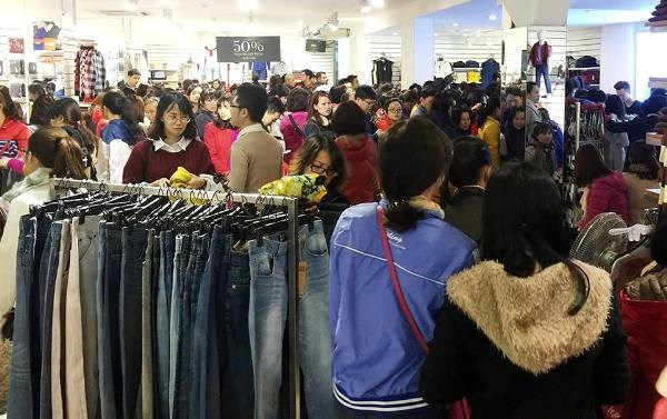 "black friday ha noi: chen lan do canh, ""bep ruot"" cho thanh toan hinh anh 3"