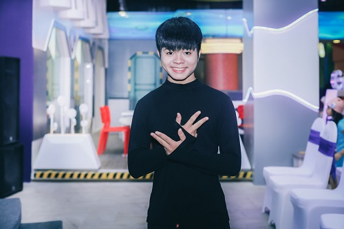 quang anh the voice kids gay bat ngo voi ve cao to hinh anh 1