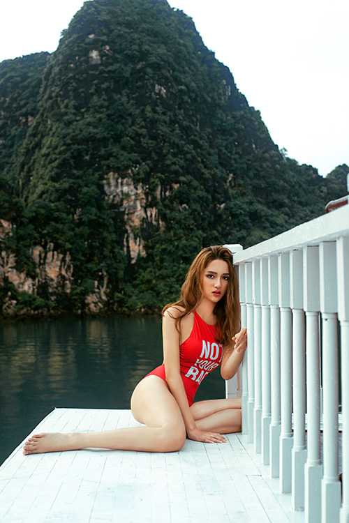 huong giang idol bien khan thanh noi y khoe vong 1 goi cam hinh anh 9