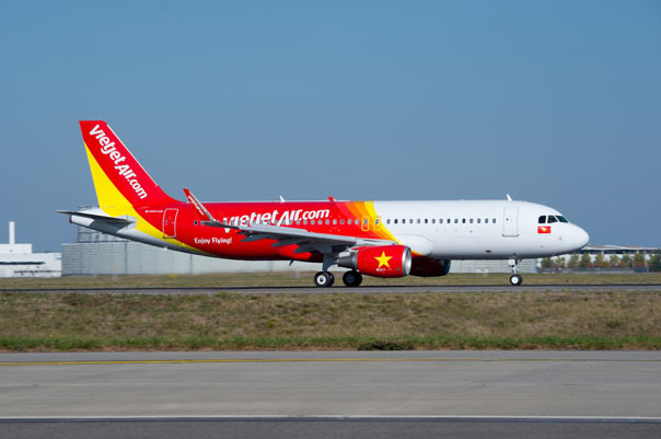 vietjet tung bung cac hoat dong tai trien lam du lich modetour travel mart 2016 hinh anh 1