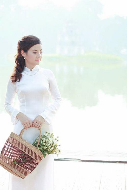 bat ngo voi ba me 2 con tre dep nhu gai 18 o ha noi hinh anh 7