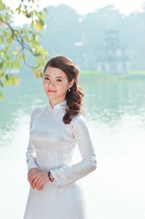 bat ngo voi ba me 2 con tre dep nhu gai 18 o ha noi hinh anh 9
