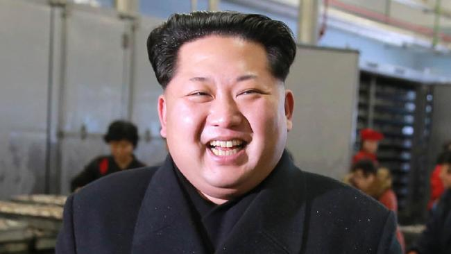 kim jong-un co 130 bac si ngay dem cham lo suc khoe hinh anh 1