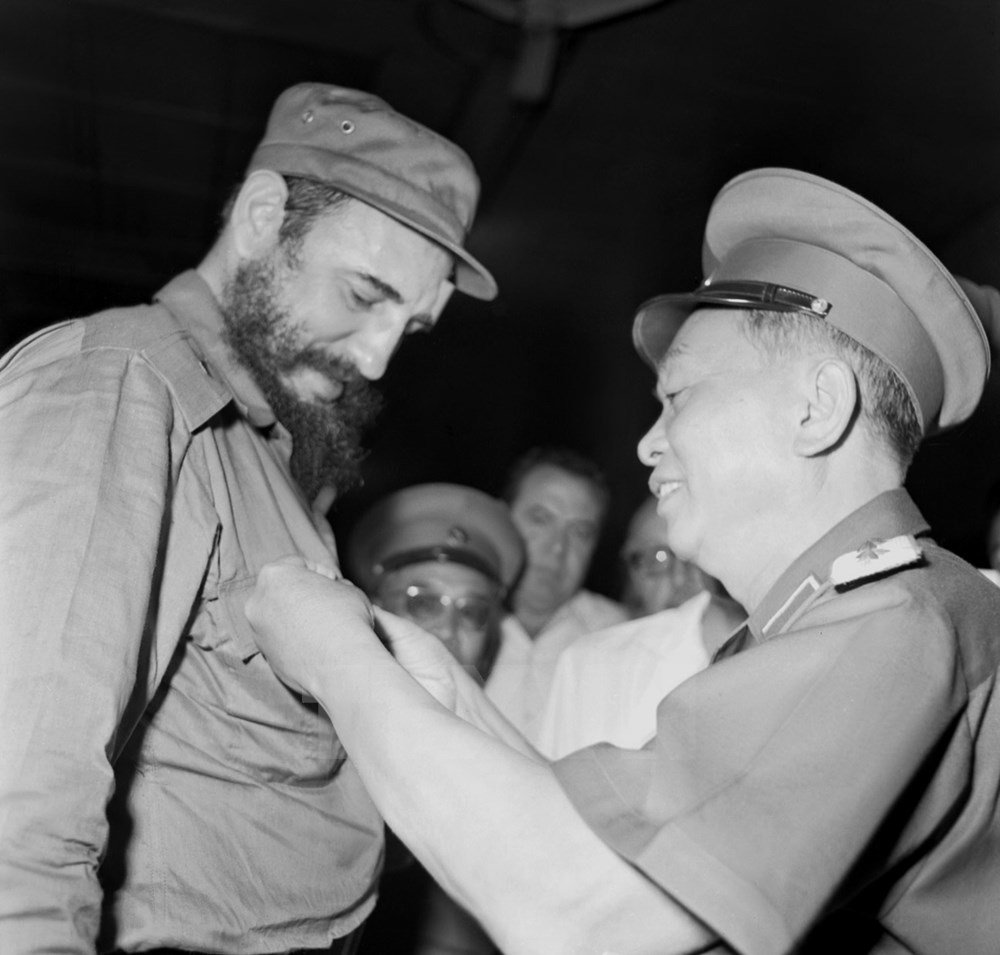 hinh anh fidel castro voi cac lanh dao viet nam hinh anh 3