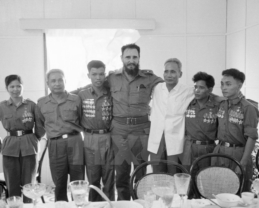 hinh anh fidel castro voi cac lanh dao viet nam hinh anh 2