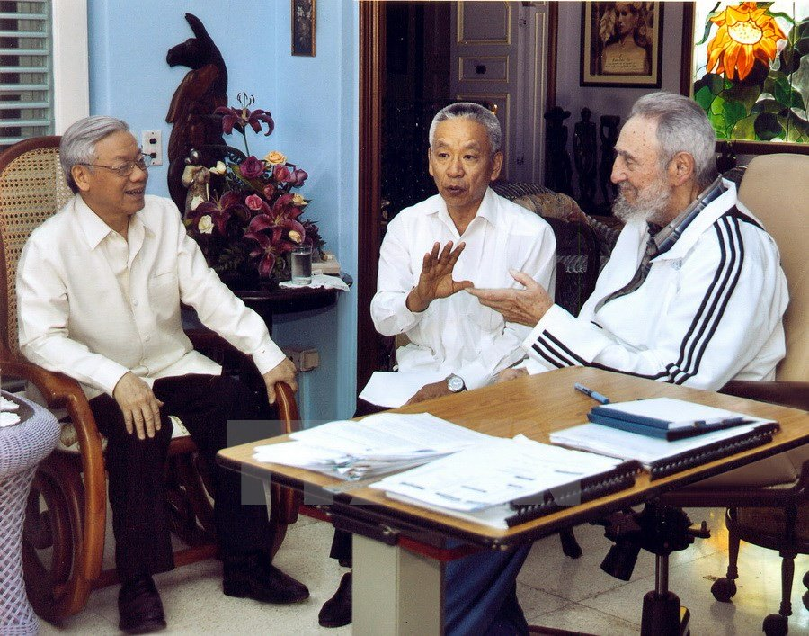 hinh anh fidel castro voi cac lanh dao viet nam hinh anh 1