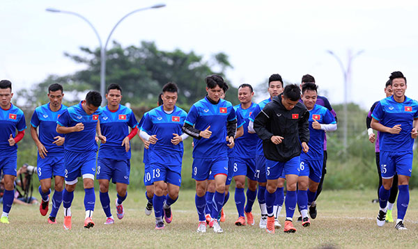 cong vinh mac ao in hinh vo dich aff cup 2008 hinh anh 1
