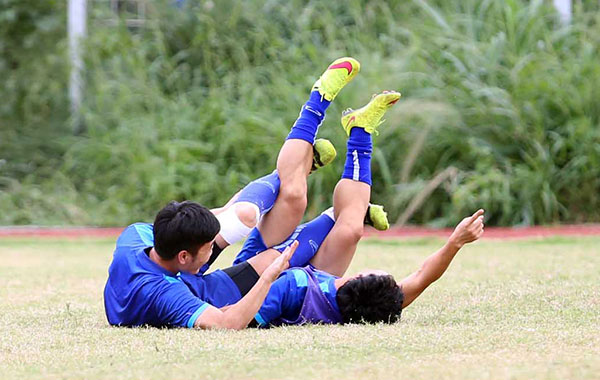 cong vinh mac ao in hinh vo dich aff cup 2008 hinh anh 6