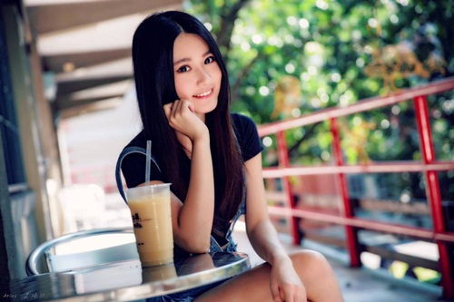 co giao tieng anh dien vay ngan khien lop hoc luon qua tai hinh anh 6