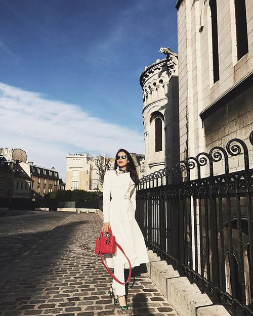 pham huong khoe street style chat lu o paris hinh anh 4