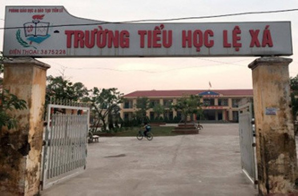 khoi to, bat tam giam nu hieu truong thu trai quy dinh hon 3 ty dong hinh anh 1
