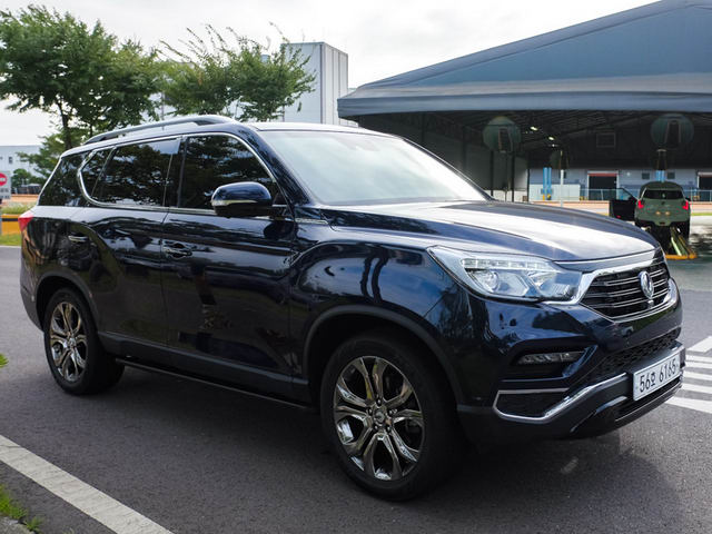 ssangyong rexton 2018 o viet nam chot gia 1,08 ty dong hinh anh 1