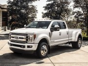 o to - Xe may - Ban tai cao cap Ford F-450 Limited co gia 2 ty dong