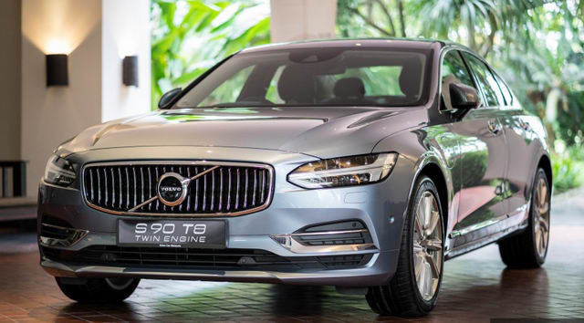 xe sang volvo s90 t8 hybrid co gia tu 2 ty dong hinh anh 1