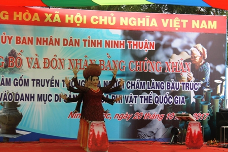nghe lam gom bau truc duoc cong nhan di san phi vat the quoc gia hinh anh 2