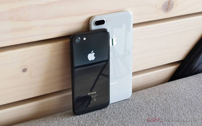 iphone 8 e am lien tuc apple phai cat giam luong cung ung hinh anh 1