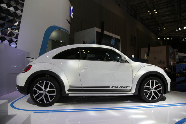 volkswagen beetle dune gia 1,469 ty dong o viet nam hinh anh 2