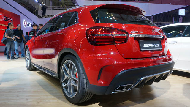 mercedes-amg gla45 gia 2,4 ty dong o viet nam hinh anh 3