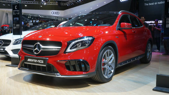 mercedes-amg gla45 gia 2,4 ty dong o viet nam hinh anh 4