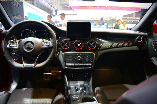 mercedes-amg gla45 gia 2,4 ty dong o viet nam hinh anh 5