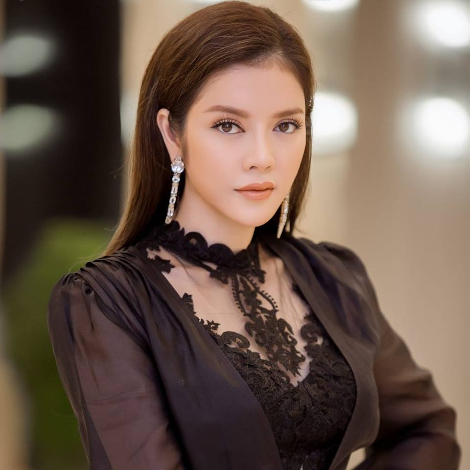 "ly nha ky, giang my dep ""quen tuoi"" tren ghe giam khao miss grand hinh anh 8"