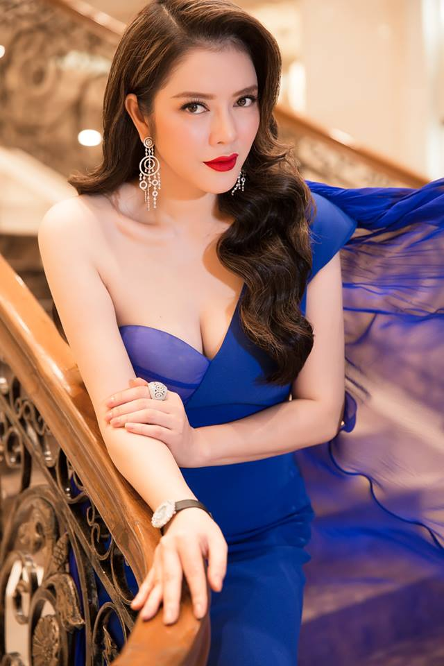 "ly nha ky, giang my dep ""quen tuoi"" tren ghe giam khao miss grand hinh anh 2"
