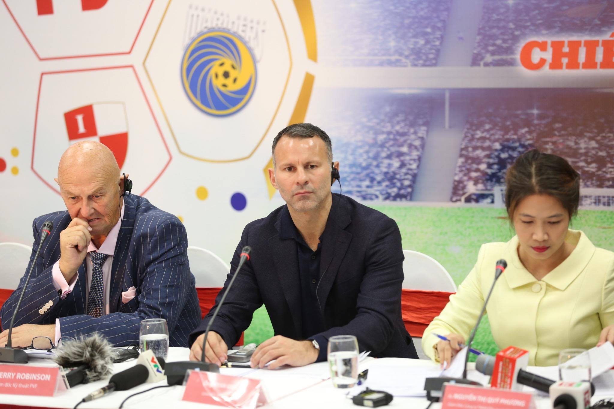 "ryan giggs: ""dt viet nam co the du world cup 2030"" hinh anh 2"