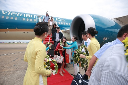 vietnam airlines chao don hanh khach thu 200 trieu hinh anh 3