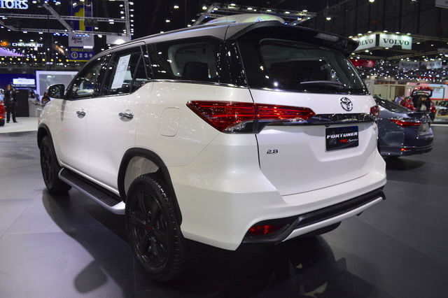 toyota fortuner trd sportivo 2017 co gia tu 1,15 ty dong hinh anh 4