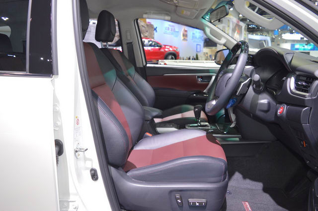 toyota fortuner trd sportivo 2017 co gia tu 1,15 ty dong hinh anh 3