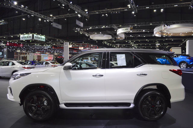 toyota fortuner trd sportivo 2017 co gia tu 1,15 ty dong hinh anh 2
