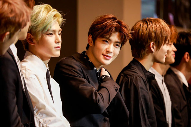 nhom nhac than tuong han quoc nct 127 khien fan viet suong ron hinh anh 9